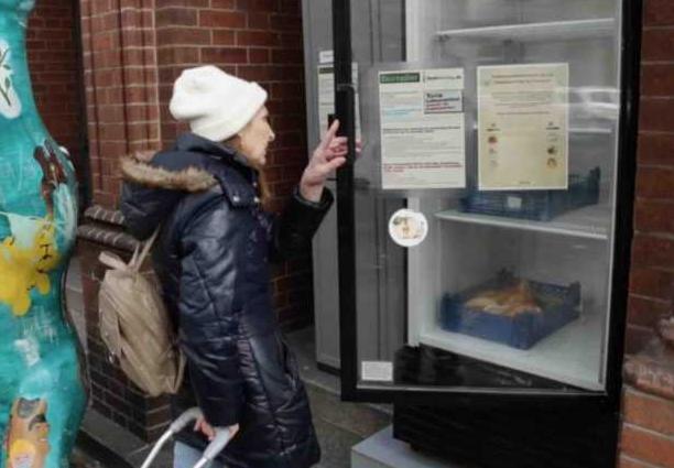 Berlin des frigos dans la rue contre le gaspillage alimentaire
