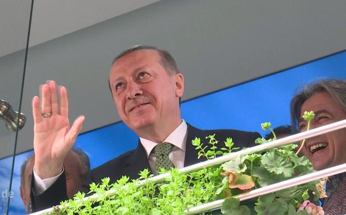 Erdowie erdowo erdogan enflamme les relations germano turques