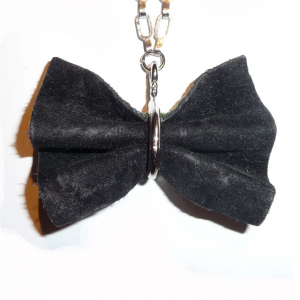 Shagreen bow tie necklace zo landing 4