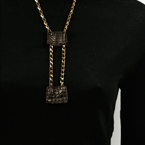 Sliding croco necklace zo landing 2